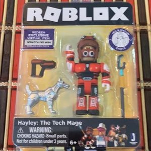 Roblox Celebrity Hayley: The Tech Mage Figure Pack